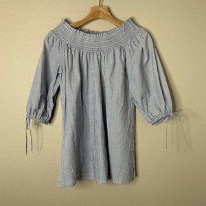 Melissa Paige Size Medium Blue White Stripe blouse